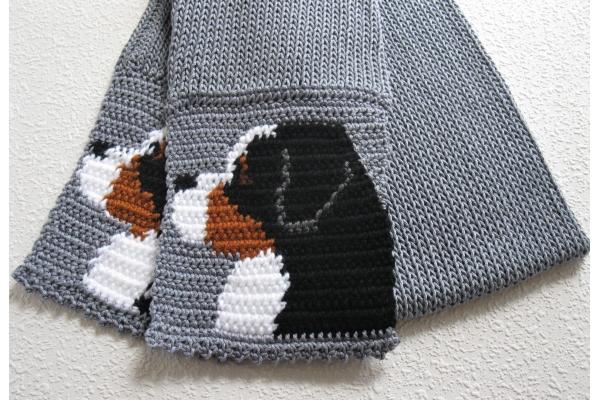 Cotton mountain dog scarf