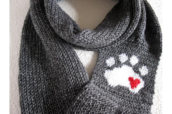 knit paw print scarf