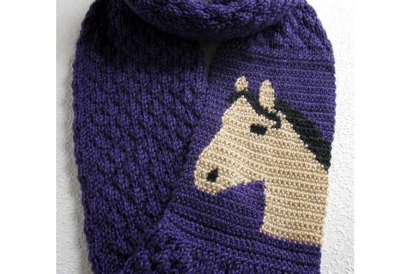 knit horse scarf