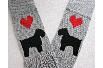 Bouvier des Flandres scarf. Gray knitted scarf with red hearts and black dogs