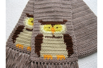 Crochet Owl Scarf. Heather truffle scarf with brown horned owls.