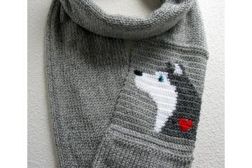 Husky Dog Infinity Scarf. Gray, eternity cowl with an Alaskan Malamute or Siberian husky