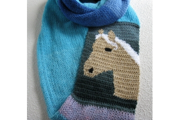 Knit Horse Scarf. Color block infinity cowl with a palomino horse