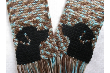 Black Labrador Retriever Scarf. Blue speckled, knit scarf with black lab dogs
