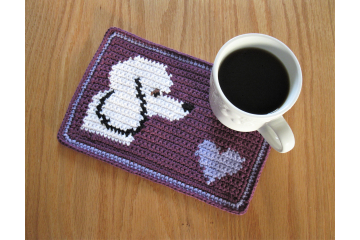 Poodle dog crochet pattern. Purple and violet mug mat with a dog and heart