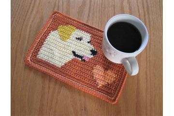 Labrador dog crochet pattern. Orange mug mat with a yellow lab dog and heart