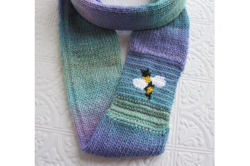Honeybee infinity scarf.  Colorful stripes circle cowl with a bee motif